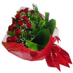 Ağrı kaliteli taze ve ucuz çiçekler  12 adet kirmizi essiz gül buketi - SEVENE ÖZEL