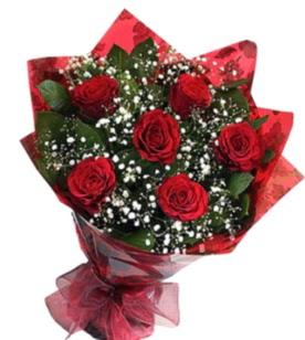 6 adet kırmızı gülden buket  Ağrı yurtiçi ve yurtdışı çiçek siparişi