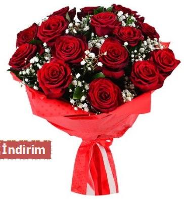 12 Adet kırmızı aşk gülleri  Ağrı çiçek satışı
