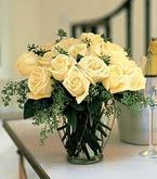 Ağrı çiçek siparişi sitesi  11 adet sari gül mika yada cam vazo tanzim