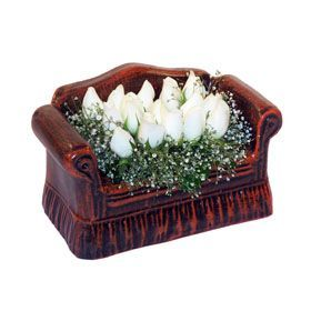 seramik içerisinde 11 gül  Ağrı hediye çiçek yolla