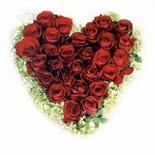 kalp biçiminde 15 gülden   Ağrı güvenli kaliteli hızlı çiçek