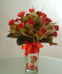 yapay güllerden vazo  9 gül  Ağrı uluslararası çiçek gönderme