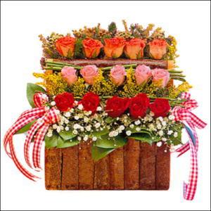 sandikta 3 kat güllerden   Ağrı cicekciler , cicek siparisi