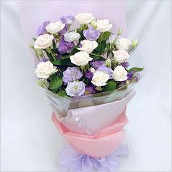 Ağrı internetten çiçek satışı  BEYAZ GÜLLER VE KIR ÇIÇEKLERIS BUKETI