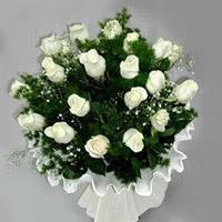 Ağrı hediye çiçek yolla  11 adet beyaz gül buketi ve bembeyaz amnbalaj