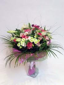Ağrı hediye çiçek yolla  karisik mevsim buketi mevsime göre hazirlanir.
