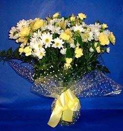 Ağrı hediye çiçek yolla  sade mevsim demeti buketi sade ve özel