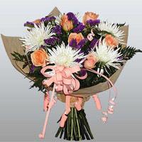 güller ve kir çiçekleri demeti   Ağrı çiçekçiler