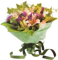 karisik mevsim buketi anneler günü ve sevilenlere  Ağrı çiçekçi mağazası