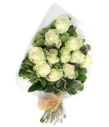 Ağrı online çiçekçi , çiçek siparişi  12 li beyaz gül buketi.