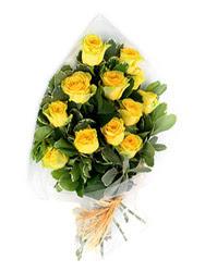 Ağrı güvenli kaliteli hızlı çiçek  12 li sari gül buketi.