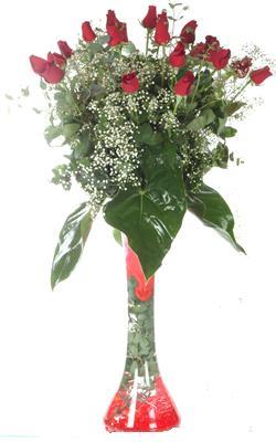 Ağrı uluslararası çiçek gönderme  19 ADET GÜL VE FIL CAM AYAGI