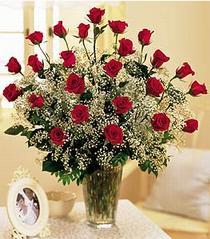 Ağrı çiçek , çiçekçi , çiçekçilik  özel günler için 12 adet kirmizi gül