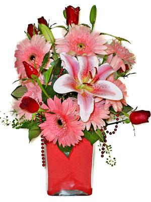 Ağrı cicek , cicekci  karisik cam yada mika vazoda mevsim çiçekleri mevsim demeti