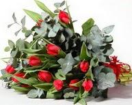 Ağrı çiçek satışı  11 adet kirmizi gül buketi özel günler için