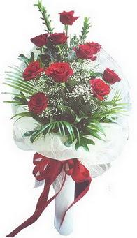 Ağrı hediye çiçek yolla  10 adet kirmizi gülden buket tanzimi özel anlara