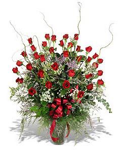 Ağrı çiçek siparişi sitesi  33 adet kirmizi gül vazo içerisinde
