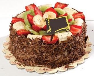 pastaci firmasindan 4 ile 6 kisilik çikolata meyvali yaspasta  Ağrı çiçek siparişi sitesi