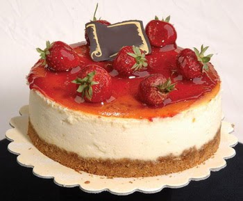 online pastaci 4 ile 6 kisilik yas pasta çilekli  Ağrı çiçek siparişi sitesi