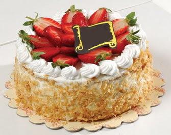 uygun pastaneler 4 ile 6 kisilik çilekli yas pasta lezzetli  Ağrı çiçek siparişi vermek