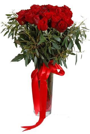 15 adet kirmizi gül cam vazo içerisinde  Ağrı internetten çiçek satışı