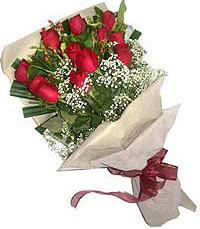 11 adet kirmizi güllerden özel buket  Ağrı internetten çiçek siparişi