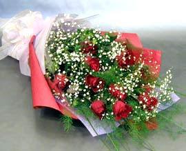 10 adet kirmizi gül çiçegi gönder  Ağrı anneler günü çiçek yolla