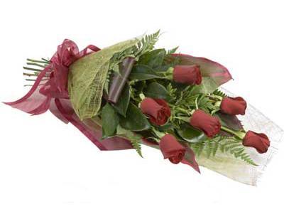 ucuz çiçek siparisi 6 adet kirmizi gül buket  Ağrı çiçek siparişi sitesi