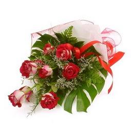 Çiçek gönder 9 adet kirmizi gül buketi  Ağrı çiçek siparişi vermek