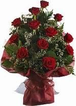 Ağrı çiçekçiler  9 Adet kirmizi gül buketi