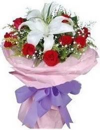 9 adet kirmizi gül 1 adet kazablanka buketi  Ağrı çiçekçi mağazası