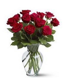 Ağrı çiçek gönderme sitemiz güvenlidir  cam yada mika vazoda 10 kirmizi gül