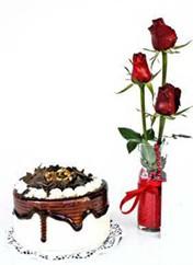 Ağrı çiçek siparişi vermek  vazoda 3 adet kirmizi gül ve yaspasta