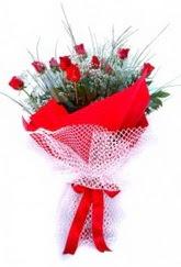 Ağrı İnternetten çiçek siparişi  9 adet kirmizi gül buketi demeti