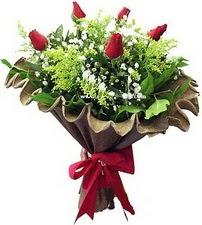 Ağrı online çiçek gönderme sipariş  5 adet kirmizi gül buketi demeti