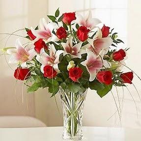 Ağrı çiçek mağazası , çiçekçi adresleri  12 adet kırmızı gül 1 dal kazablanka çiçeği