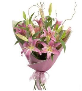 Ağrı İnternetten çiçek siparişi  3 dal cazablanca buket çiçeği