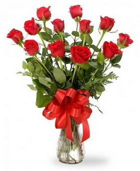 Ağrı çiçek , çiçekçi , çiçekçilik  12 adet kırmızı güllerden vazo tanzimi