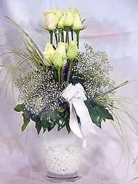 Ağrı online çiçek gönderme sipariş  9 adet vazoda beyaz gül - sevdiklerinize çiçek seçimi