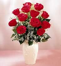 Ağrı çiçekçi mağazası  9 adet vazoda özel tanzim kirmizi gül