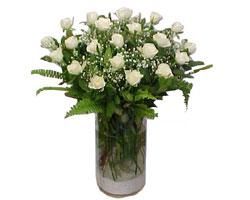 Ağrı yurtiçi ve yurtdışı çiçek siparişi  cam yada mika Vazoda 12 adet beyaz gül - sevenler için ideal seçim
