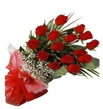 15 kırmızı gül buketi sevgiliye özel  Ağrı çiçek gönderme sitemiz güvenlidir