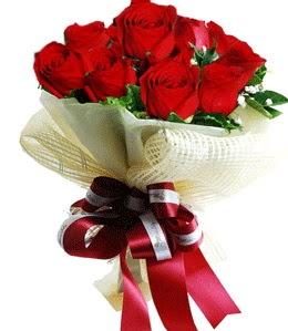 9 adet kırmızı gülden buket tanzimi  Ağrı çiçek gönderme sitemiz güvenlidir