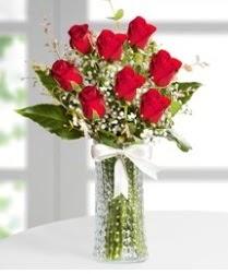 7 Adet vazoda kırmızı gül sevgiliye özel  Ağrı çiçek siparişi sitesi