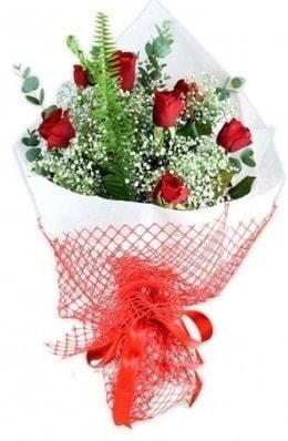 7 adet gülden kız arkadaşıma çiçek  Ağrı çiçekçi telefonları