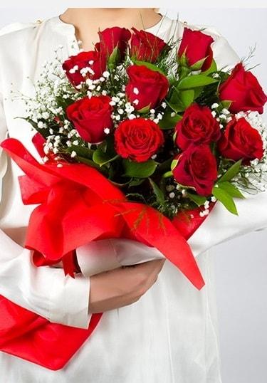 Aşk Gülleri 11 Adet kırmızı gül buketi  Ağrı çiçekçi telefonları